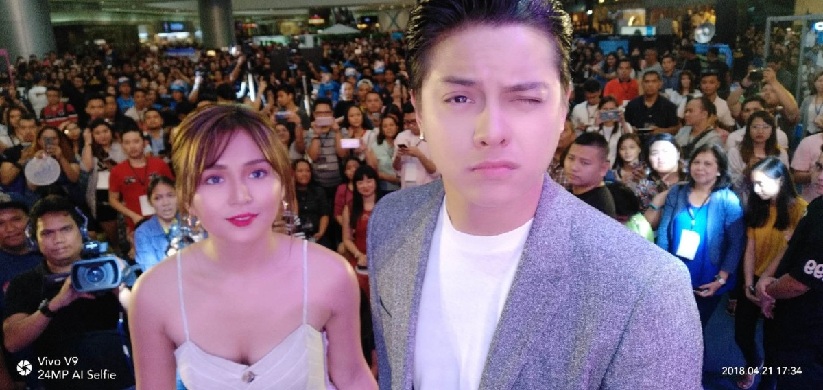 """KathNiel"" Proclaims Love for this Latest AI-powered Cam Smartphone"