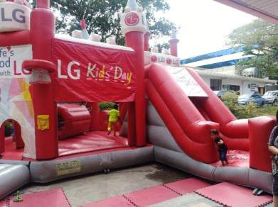 LG Kid's Day Inflatable